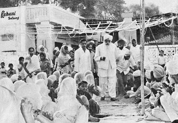 Sant Kirpal Singh in Nawanshar, October 1973